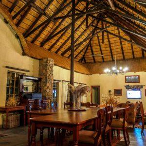 indoor-dining-and--lounge-at-Shikwari-1009