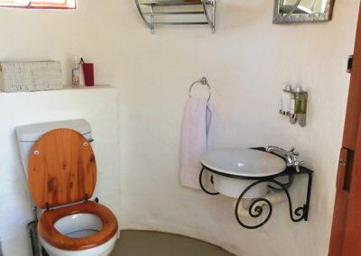 Pangolin Hornbill Private Bush Bath room