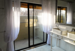 Shikwari Nature Reserve - Knobthorn-Bathroom